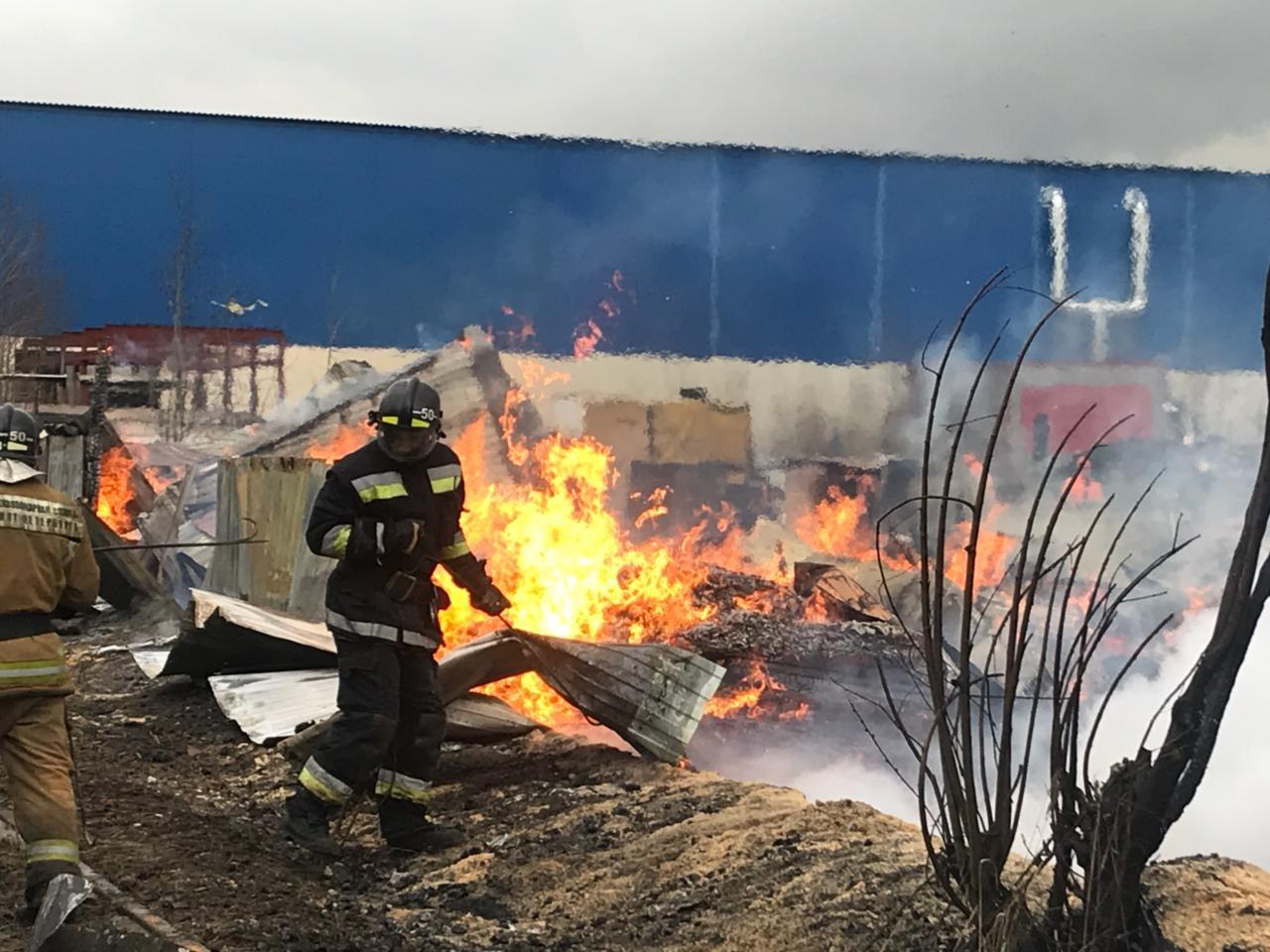 Пожар в Колпинском районе ликвидирован